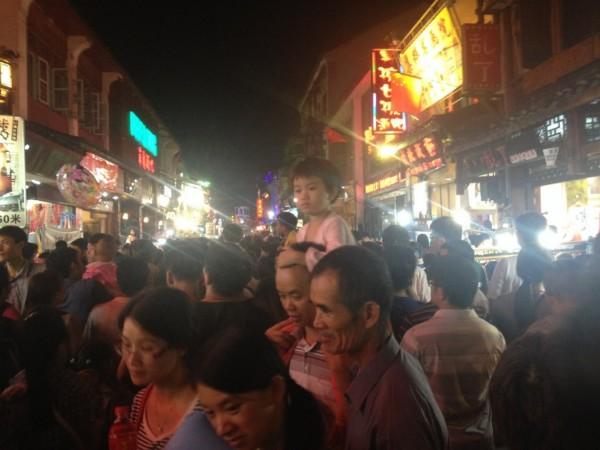 Yangshuo crowded
