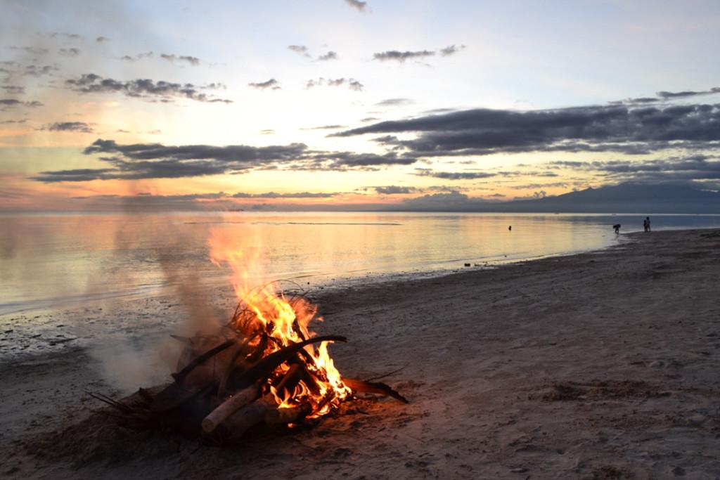 Siquijor beach bonfire